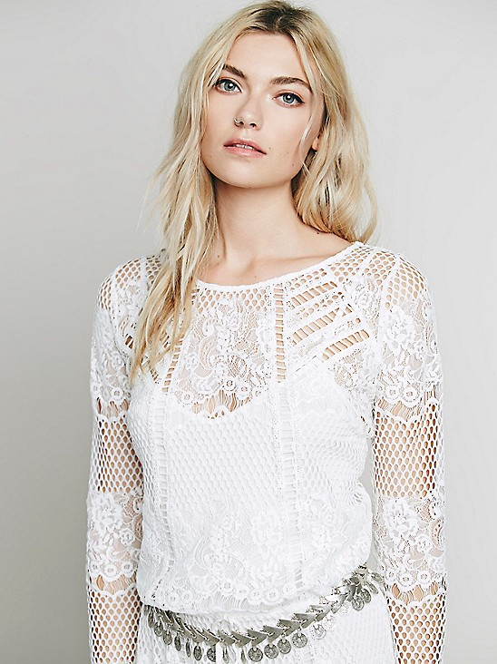 A ridiculously flattering lace dress