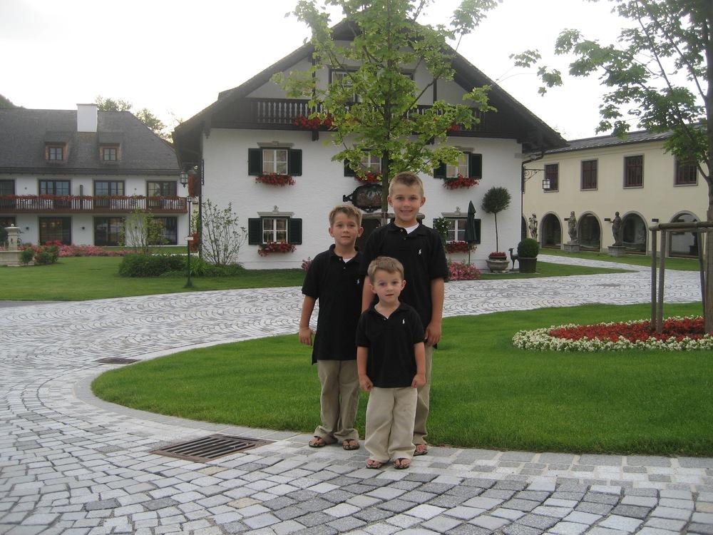 Brittain, Thomas, Dieter at Schloss Fussle