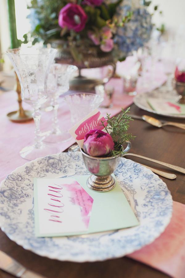 15-dreamy-mountain-lodge-wedding-fuchsia-mint-ellie-asher-photography.jpg