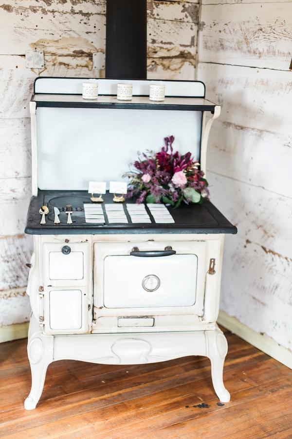 wedding antiques vintage rentals
