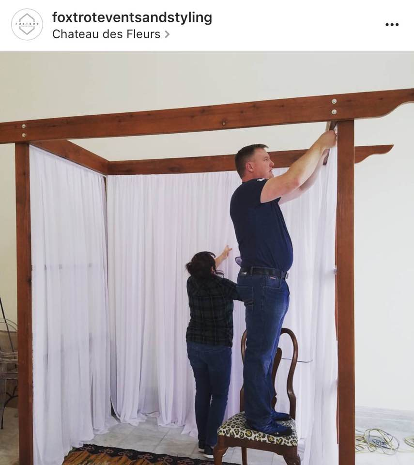 foxtroteventsandstylingBusy bees working hard to beautify or booth. Come see us tomorrow! We'll give you a high five.  #foxtroteventsandstyling #bellesandbeaux#boiseweddings #boiseeventplanners