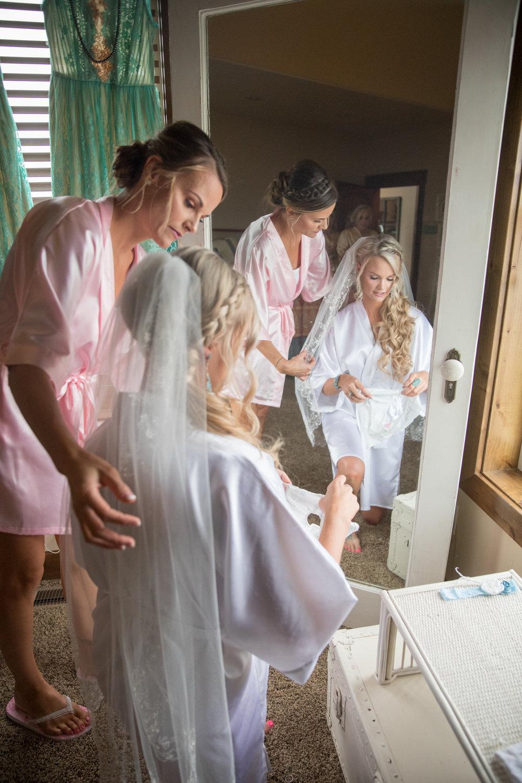 bride getting ready shots