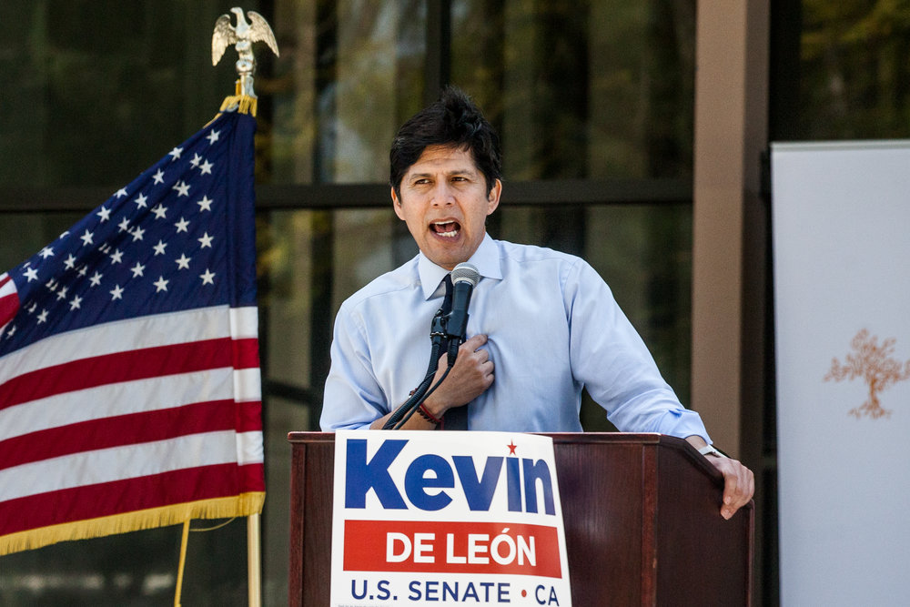 Kevin de León PZ '03 delivers remarks during a visit to Pitzer College Wednesday to launch his statewide campaign for U.S. Senate.
