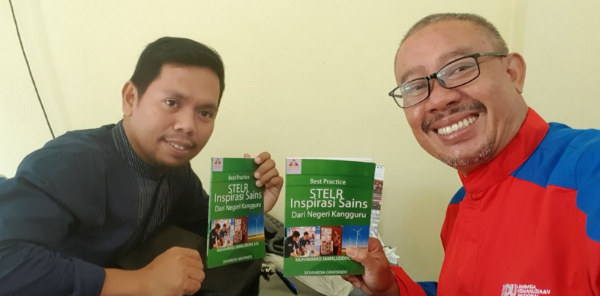 M. Jamaluddin Jamal (left) is pictured here with Mr Rahmat Haryono who works with PT Kaltim Nitrate's community liaison and corporate social responsibility.