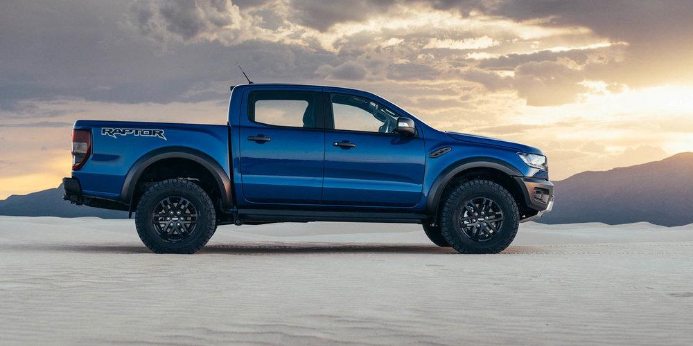 2018-Ford-Ranger-Raptor-Raptor-Stills_Outdoor_5__print.jpg