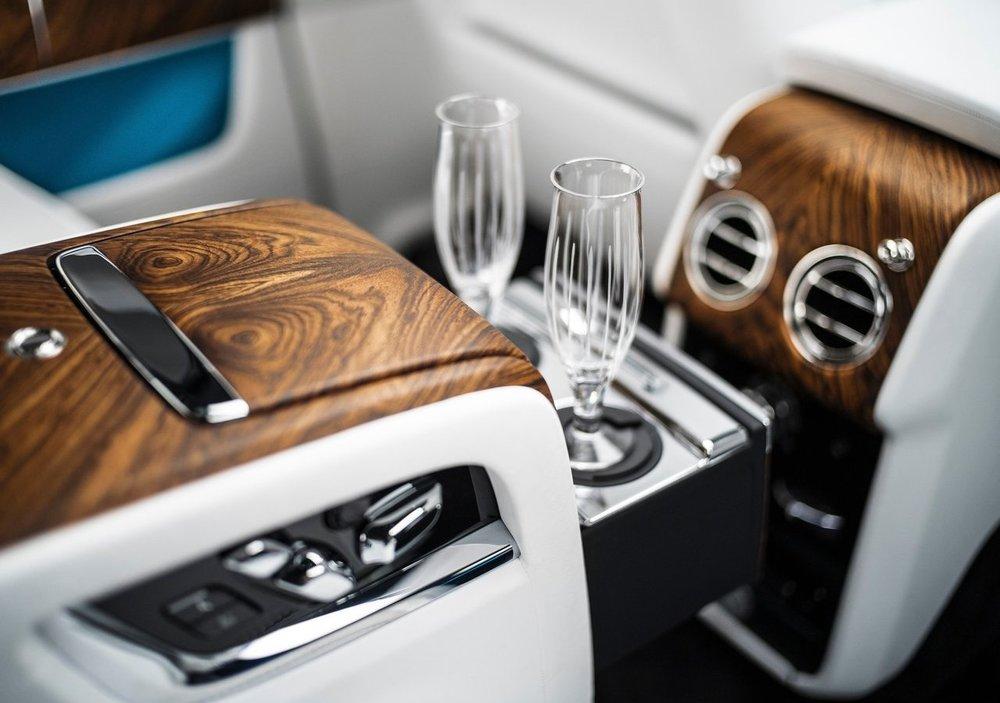 Rolls-Royce-Cullinan-2019-1280-1b.jpg
