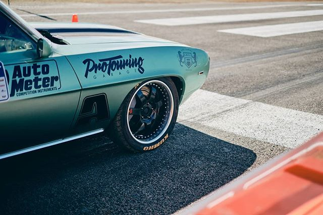 Pro-Touring Garage . . . #garagejournal #classiccar #carsofinstagram #cars #carphotography #protouring #drivetastefully #petrolicious #vintagecar #drivevintage #motorsport #getoutanddrive #vintageracing #classiccars #camaro #chevy #chevrolet 📸: @stirling.effort 🚗: @pro_touring_garage