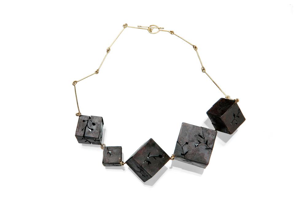 yuchun chen_necklace_iron 18kgold.jpg