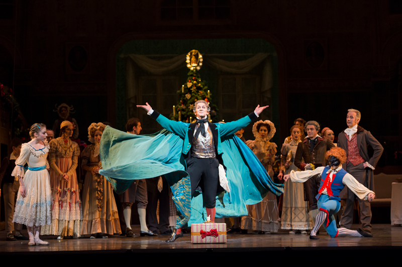 The-Nutcracker.-Gary-Avis-as-Drosslemeyer.-©ROH,-Bill-Cooper,-2013.jpg