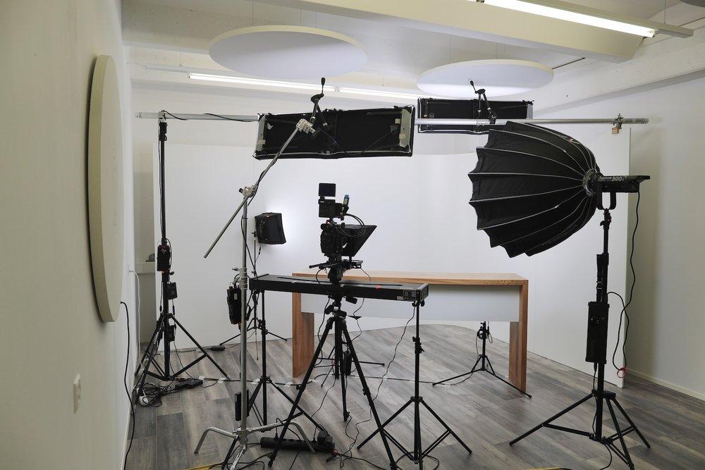Filmstudio-generation_y_05.JPG