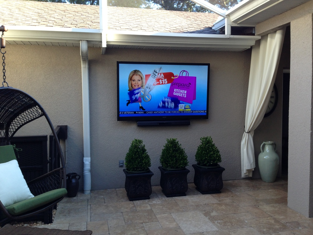 A 3.1 Sound System For Gaming And Movies. Additional Speaker Zones Over The  Kitchen And On The Pool Deck For Parties Or Casual Listening. The Remote Is  ...
