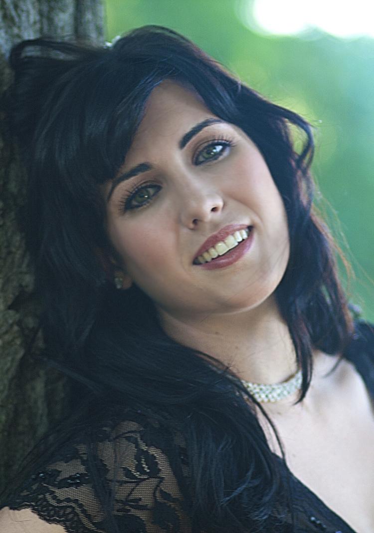 Chelsea Basler  Susanna