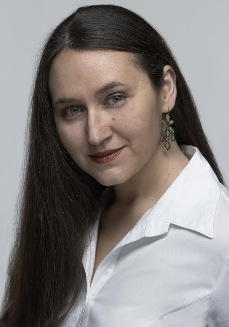 Nina Spinner Ella Hammer