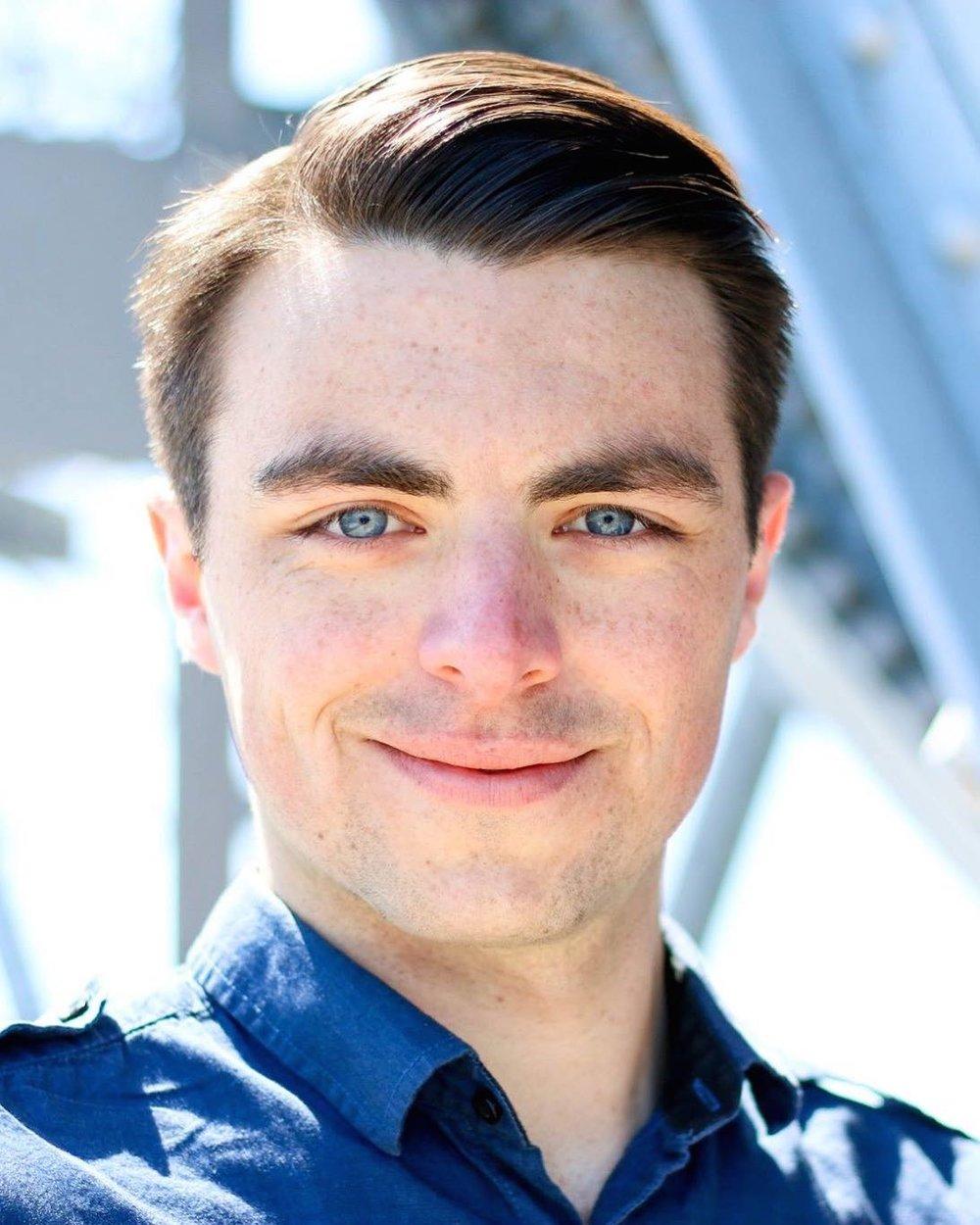 Luke MacMillan Baritone
