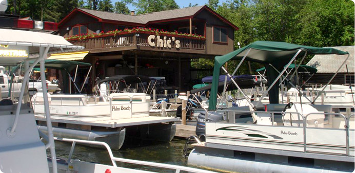 CHIC'S MARINA PONTOON