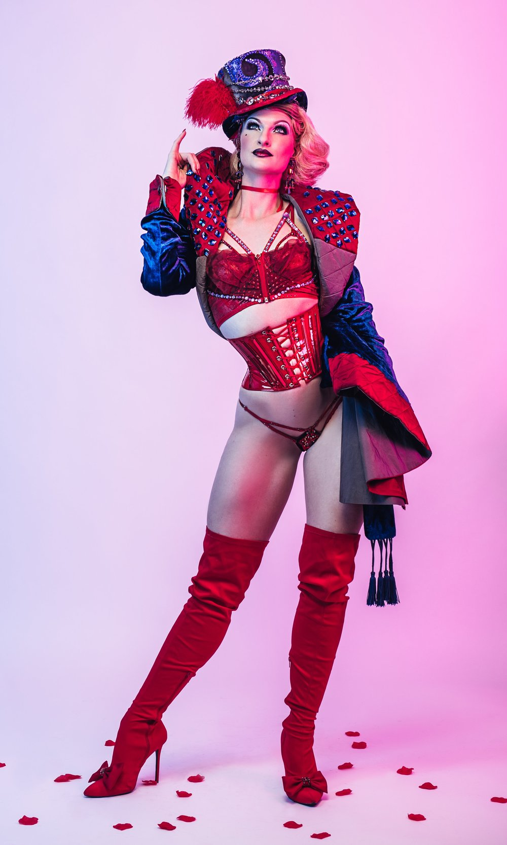 Wow Factor - October 20th 3:30PM to 4:30PM with The Lady Josephine (bilingual)Showing skin is always exciting and beautiful but… what makes an audience cheer for a burlesque performer when there's nothing coming off? We will pinpoint and practice