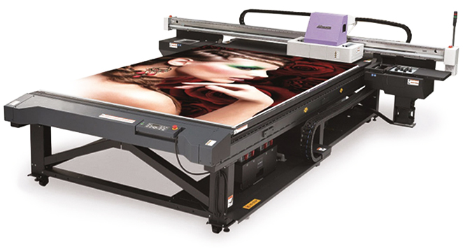 "Flatbed and Roll printers  Sizes up to 16' width by 50' length  Mounting 1/8"" to 1"" thicknesses  Lamination"