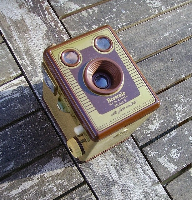 Kodak Brownie Six-20 Model F camera in the sunshine on Flickr.