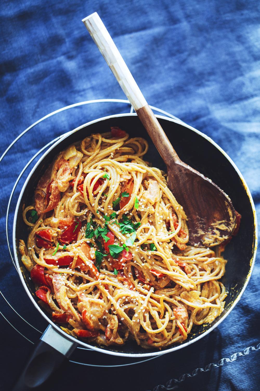 Creamy Tahini & Roasted Pepper Pasta