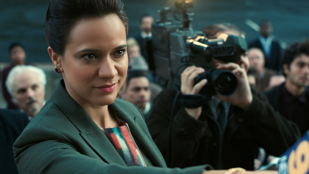 Luciana Faulhaber as a reporter on Gotham