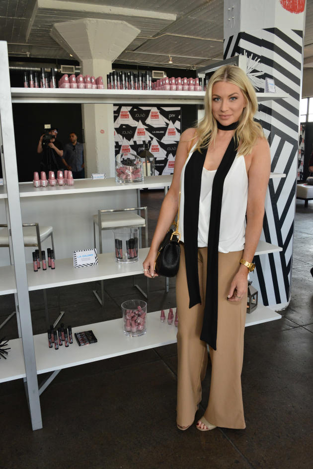 stassi-schroeder-colgate-optic-white-beauty-bar-sponsored-by-lip.jpg