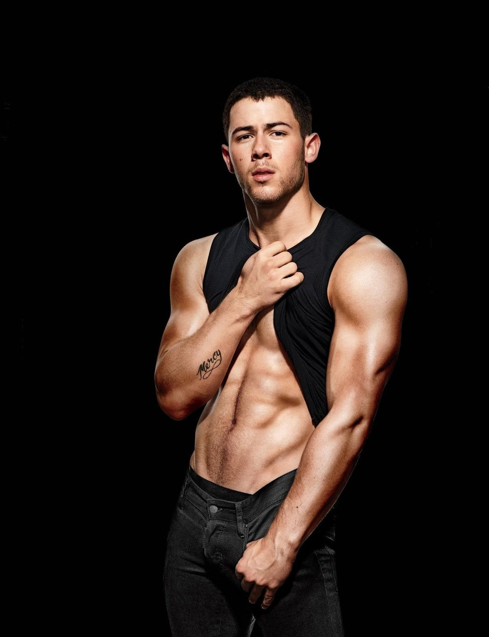 MENS-FITNESS-Nick-Jonas-by-Peter-Yang.-December-2016-www.imageamplified.com-Image-Amplified1_thu.jpg