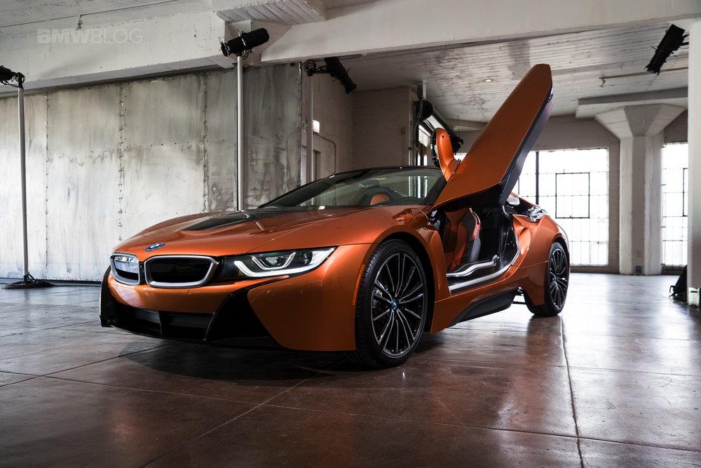 2018-BMW-i8-Roadster-21.jpg