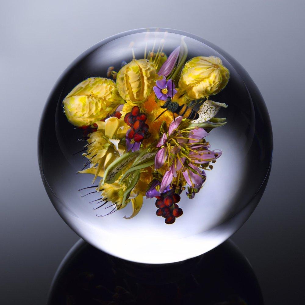 2015;  Bouquet de fleurs et de fruits aux abeilles;  D. 4,0 pouces