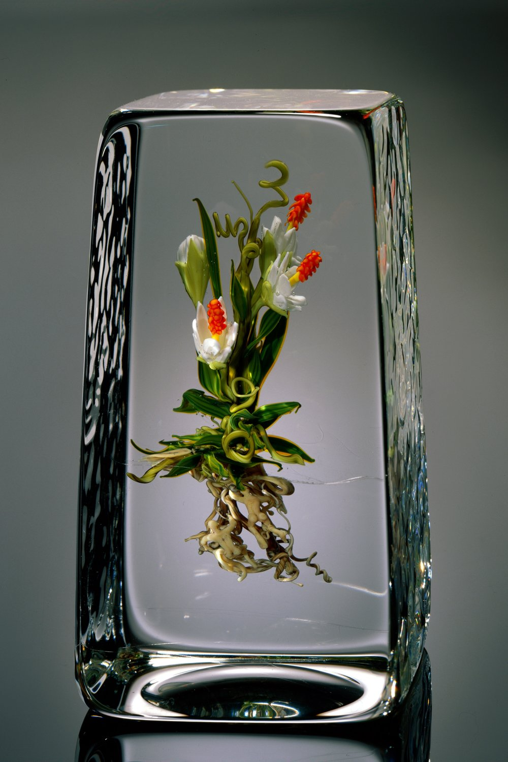 2005; Botanical with Red Stamins; H. 5.5 inches