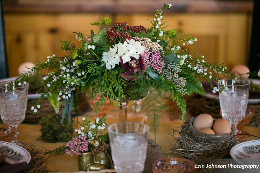 We loved this refreshing take on a holiday-centric tablescape!
