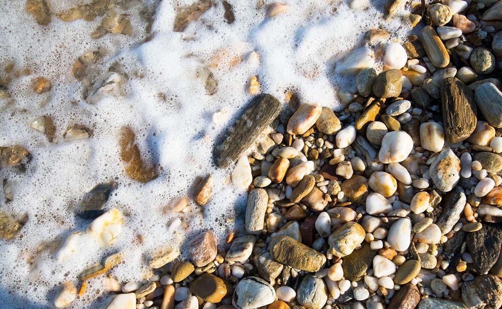 Pebbles, Paros