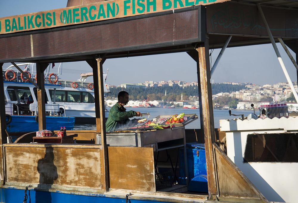 Balık-ekmek chef, Golden Horn, Istanbul