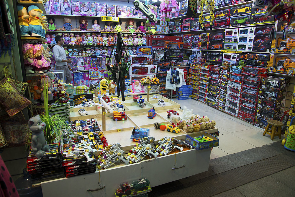 Eminonu underpass toyshop, Istanbul