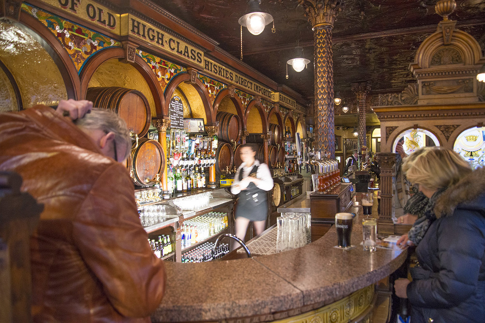 The Crown Liquor Saloon bar, Michael Flanagan, 1885, Belfast, Northern Ireland
