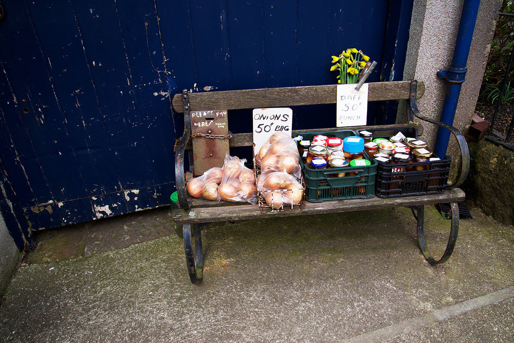 A very trusting onion and pickle vendor, Chagford, Devon, UK