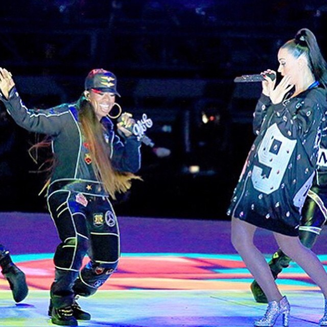 Did you Get Ur Freak On during last night's #SuperBowl #halftimeshow? #missyelliott #katyperry #vrooooooom #geturfreakon ✨🙌