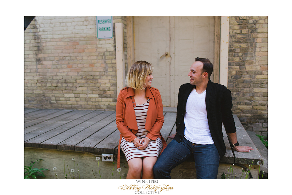 Ryan&Lindsay_Engagement_Reanne_ExchangeDistrict_01.jpg