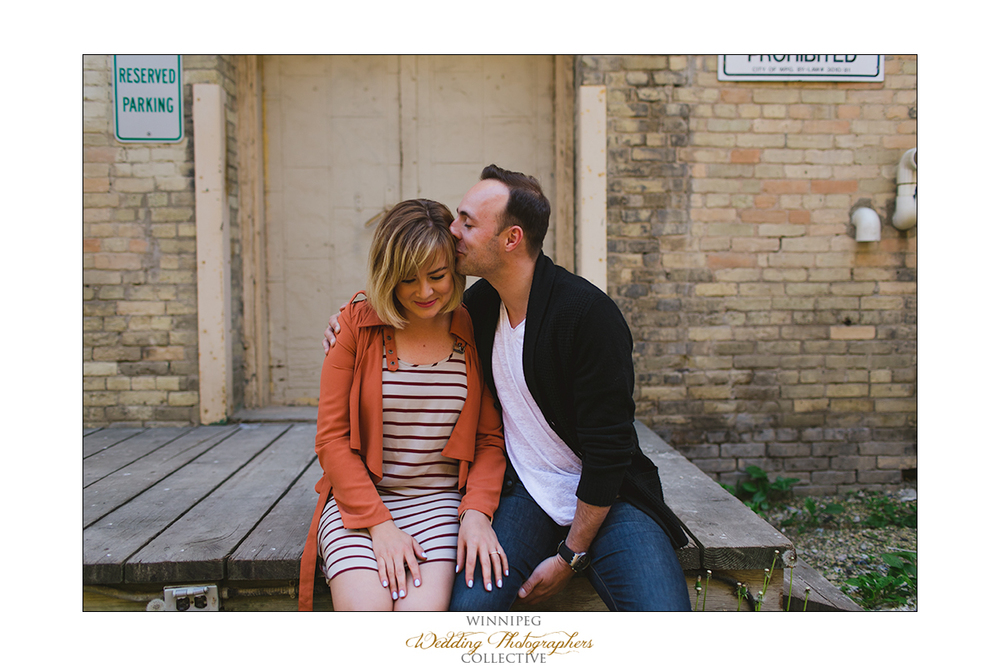 Ryan&Lindsay_Engagement_Reanne_ExchangeDistrict_05.jpg