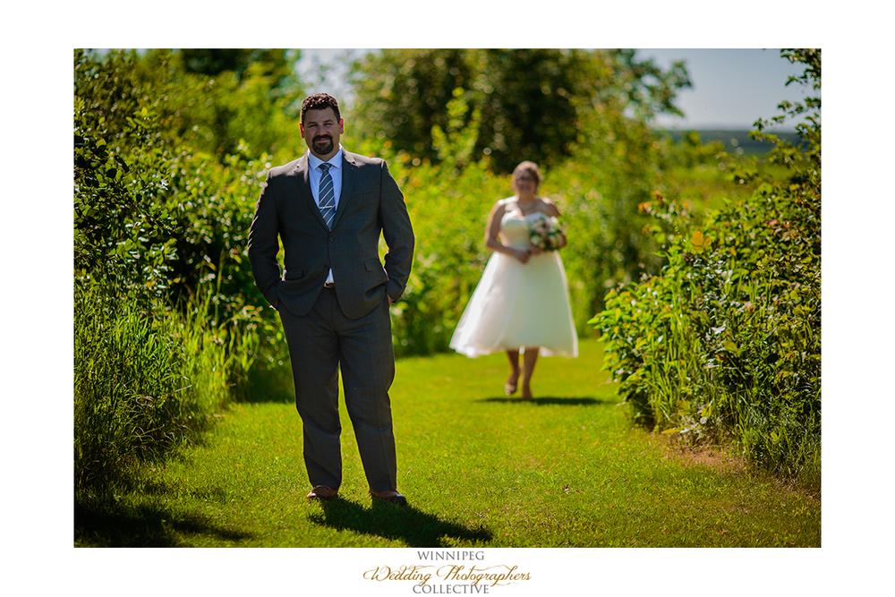 04 First Look Outdoor Country Wedding Winnipeg Selkirk MAnitoba Canada HAwthorn Estates.jpg