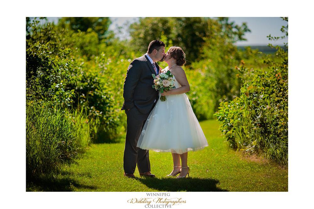 05 First Look Outdoor Country Wedding Winnipeg Selkirk MAnitoba Canada HAwthorn Estates.jpg