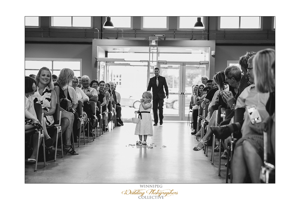 Dana&Rory_Reanne_Wedding_Winnipeg_07.jpg