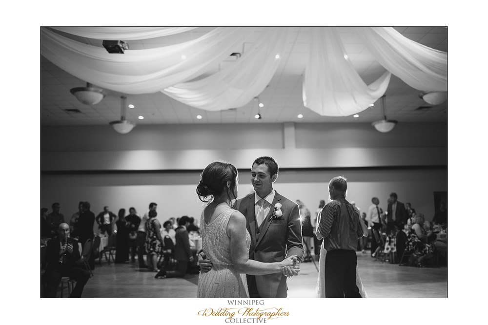 Dana&Rory_Reanne_Wedding_Winnipeg_041.jpg