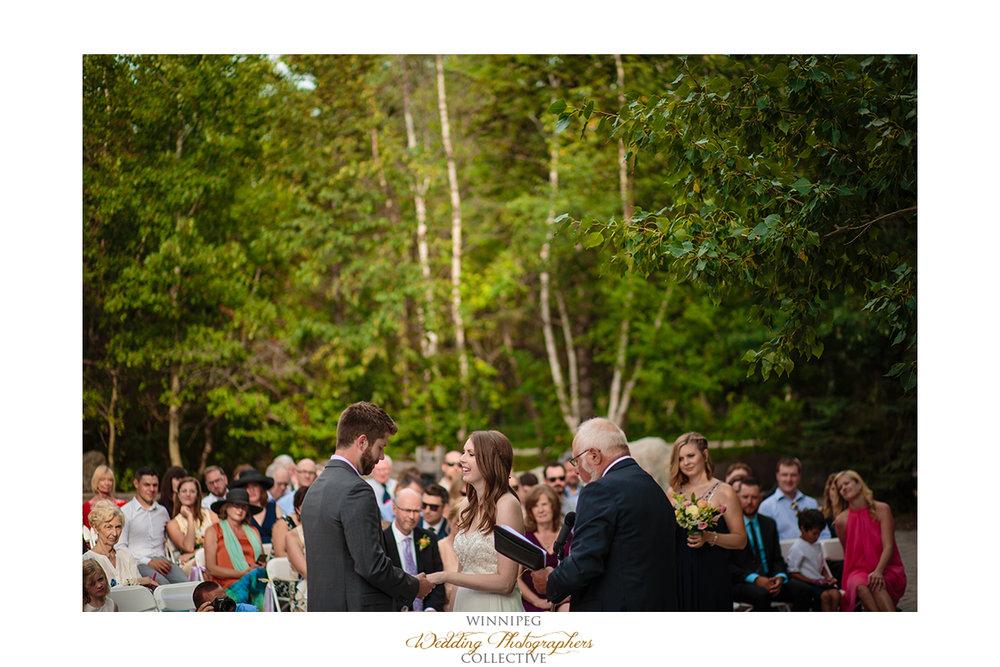 010_Fort Whyte Outdoor Summer Wedding Winnipeg Manitoba.jpg