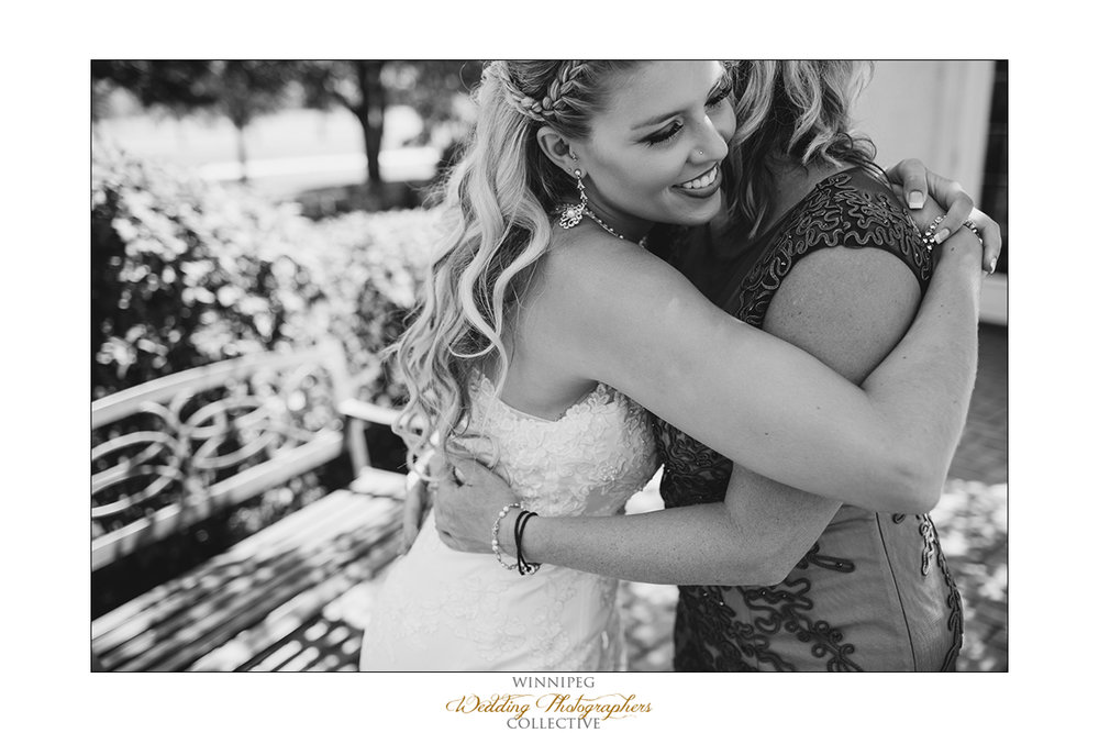 Jill&Jay_Reanne_Wedding_Steinbach_09.jpg