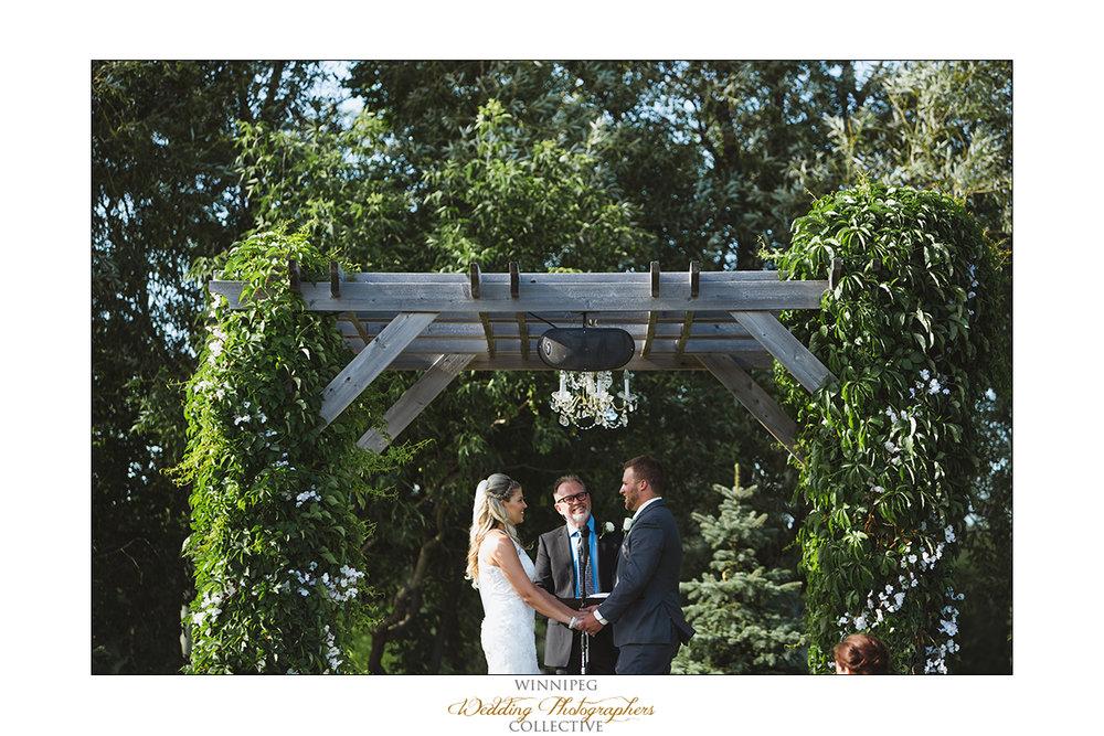 Jill&Jay_Reanne_Wedding_Steinbach_045.jpg