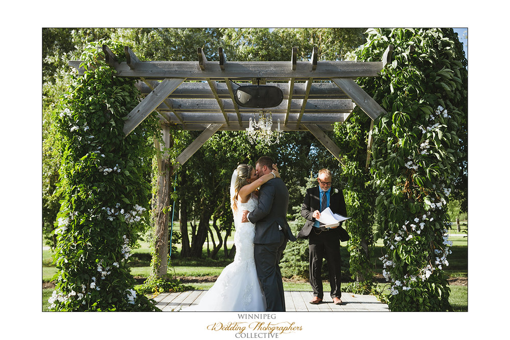 Jill&Jay_Reanne_Wedding_Steinbach_048.jpg