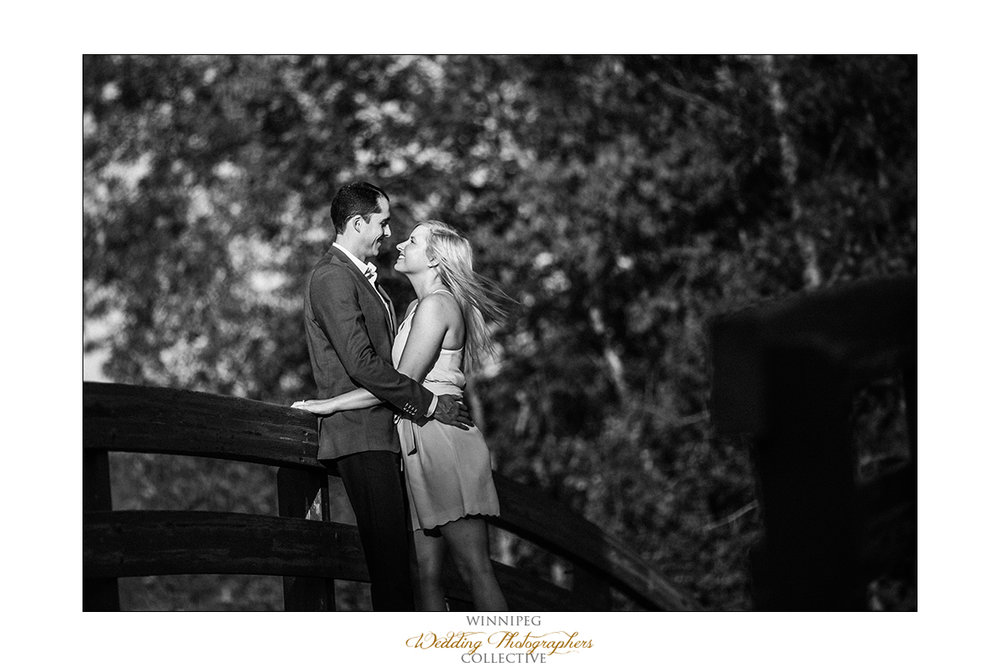 Engagement photos in Kings Park Winnipeg