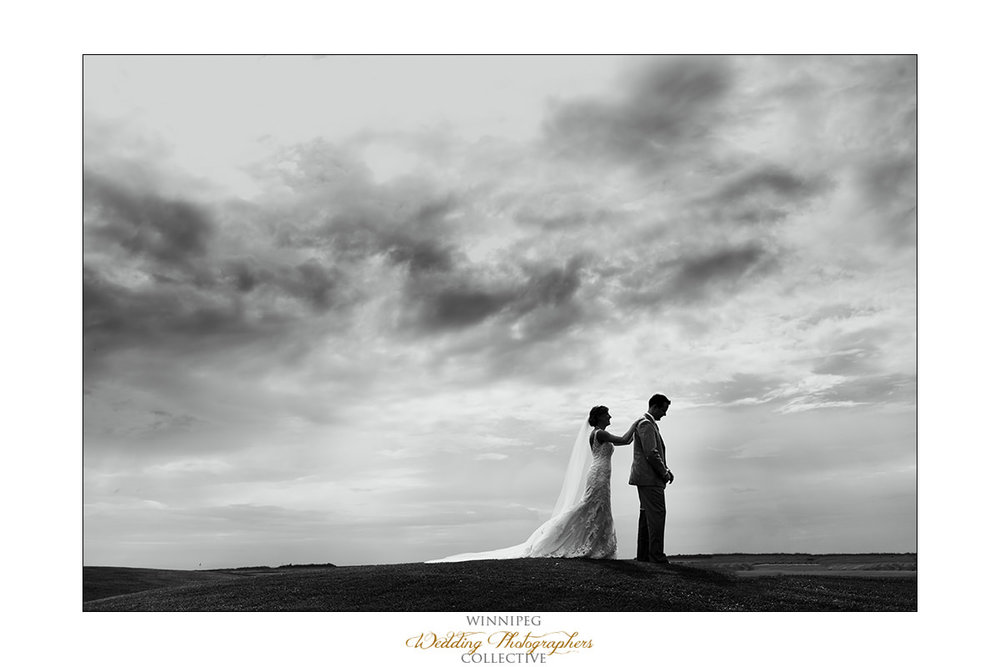 Amanda&Matt_Wedding_Bridges_Reanne_07.jpg