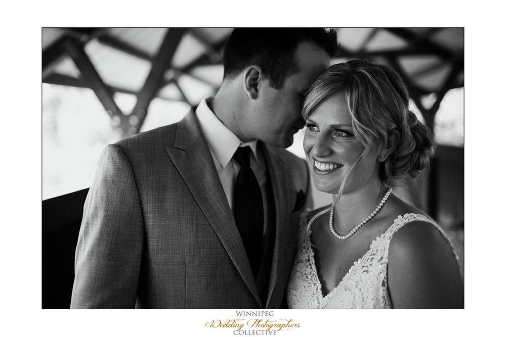 Amanda&Matt_Wedding_Bridges_Reanne_011.jpg