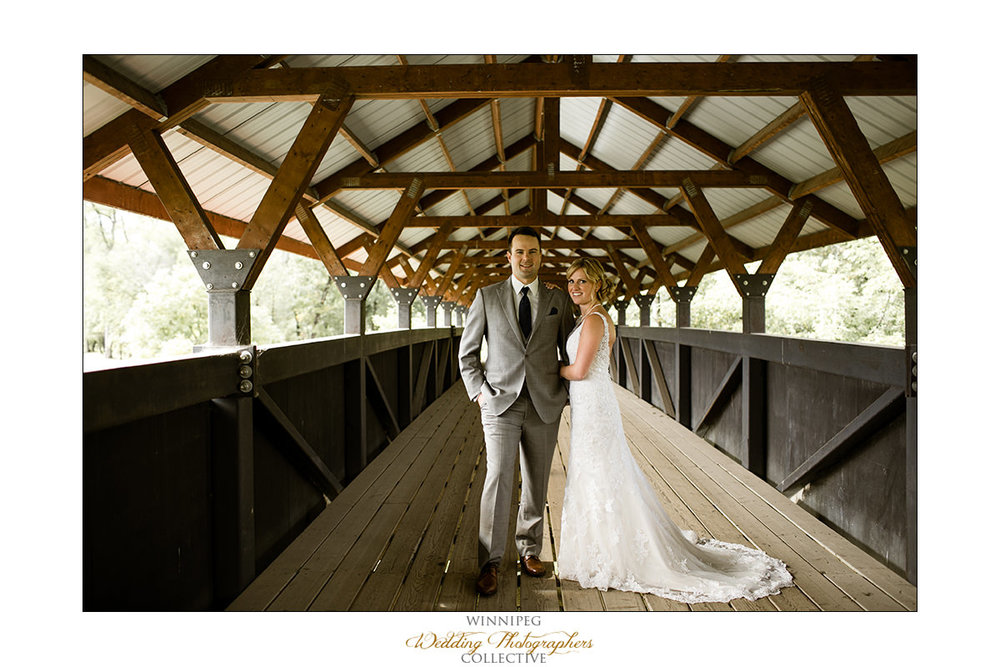 Amanda&Matt_Wedding_Bridges_Reanne_010.jpg